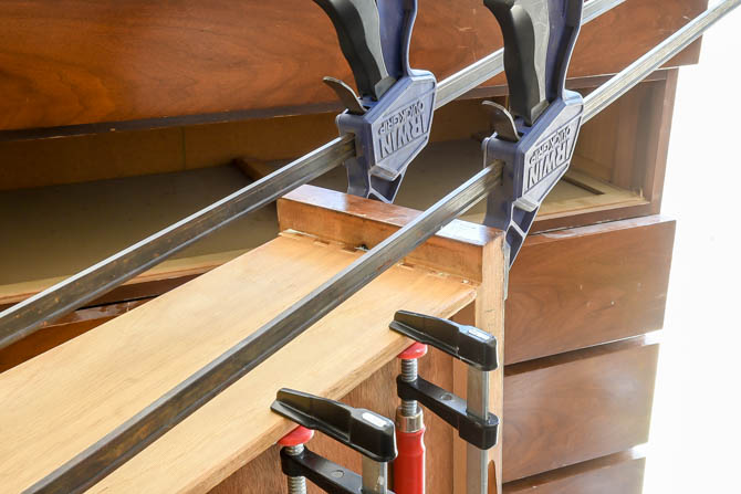 Clamping and repairing dovetail drawers
