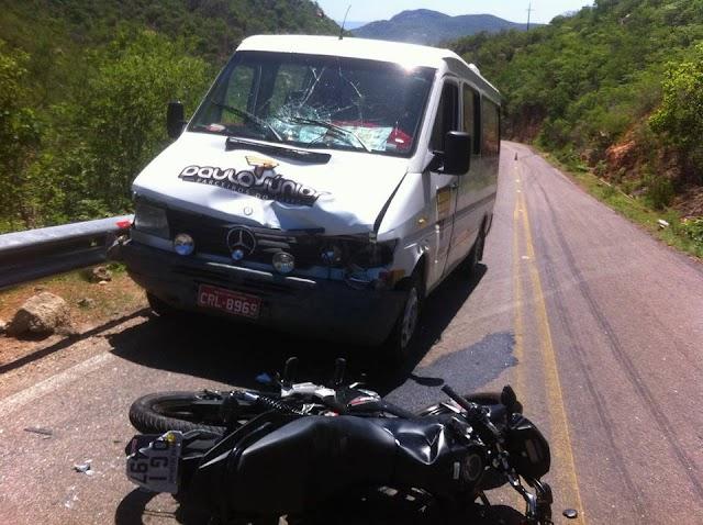 Acidente na serra de Dr. Severiano envolve alternativo e motocicleta