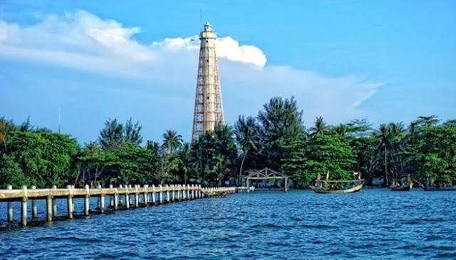 Wisata Pulau Biawak Indramayu