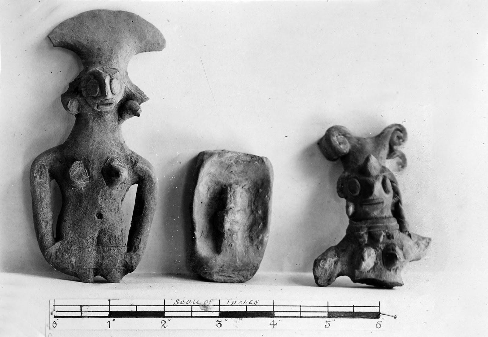 मानव की मिट्टी की मूर्तियां