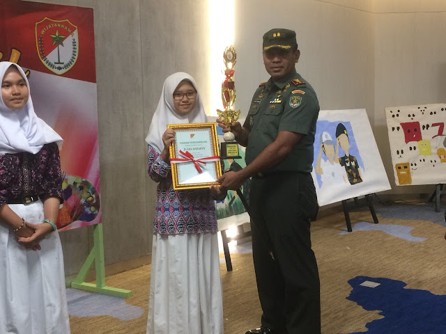 SMAN 110 北ジャカルタ地区軍事コマンドコムソスの勝者を希望 2018