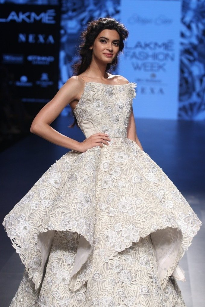 Diana Penty Walks for Falgun and Shane Peacock During LWF 2017 Pics