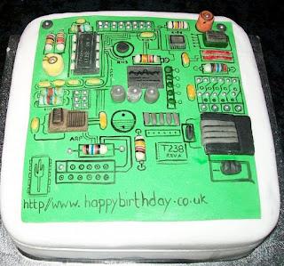 kue ulang tahun motherboard atau main board
