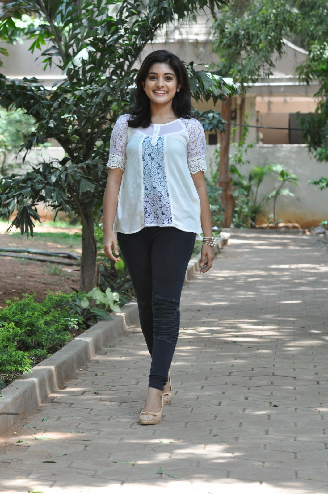 Gentleman heroine Nivetha thomas latest glamorous photos, Nivetha ...