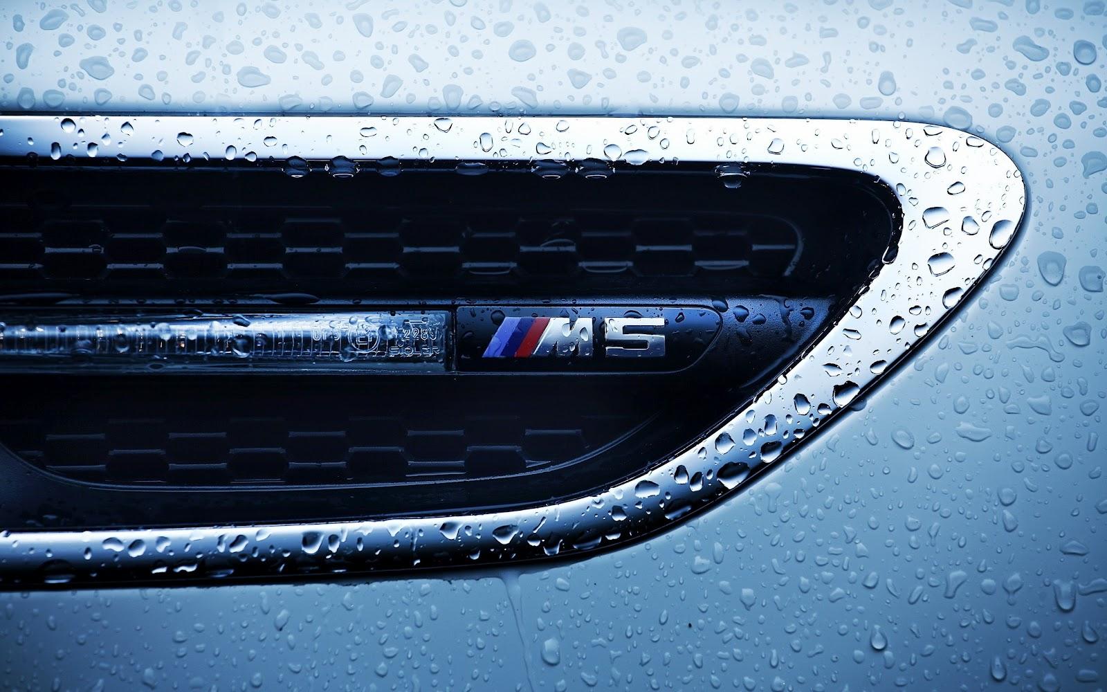 Bmw M5 Logo Close Up Water Drops Hd Car Wallpapers