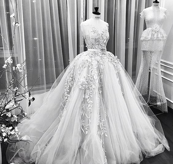These Ali Younes Wedding Dresses Will Make You Feel Like Royalty