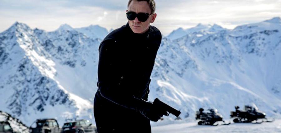 Daniel Craig îl interpretează pentru a patra oară pe agentul James Bond