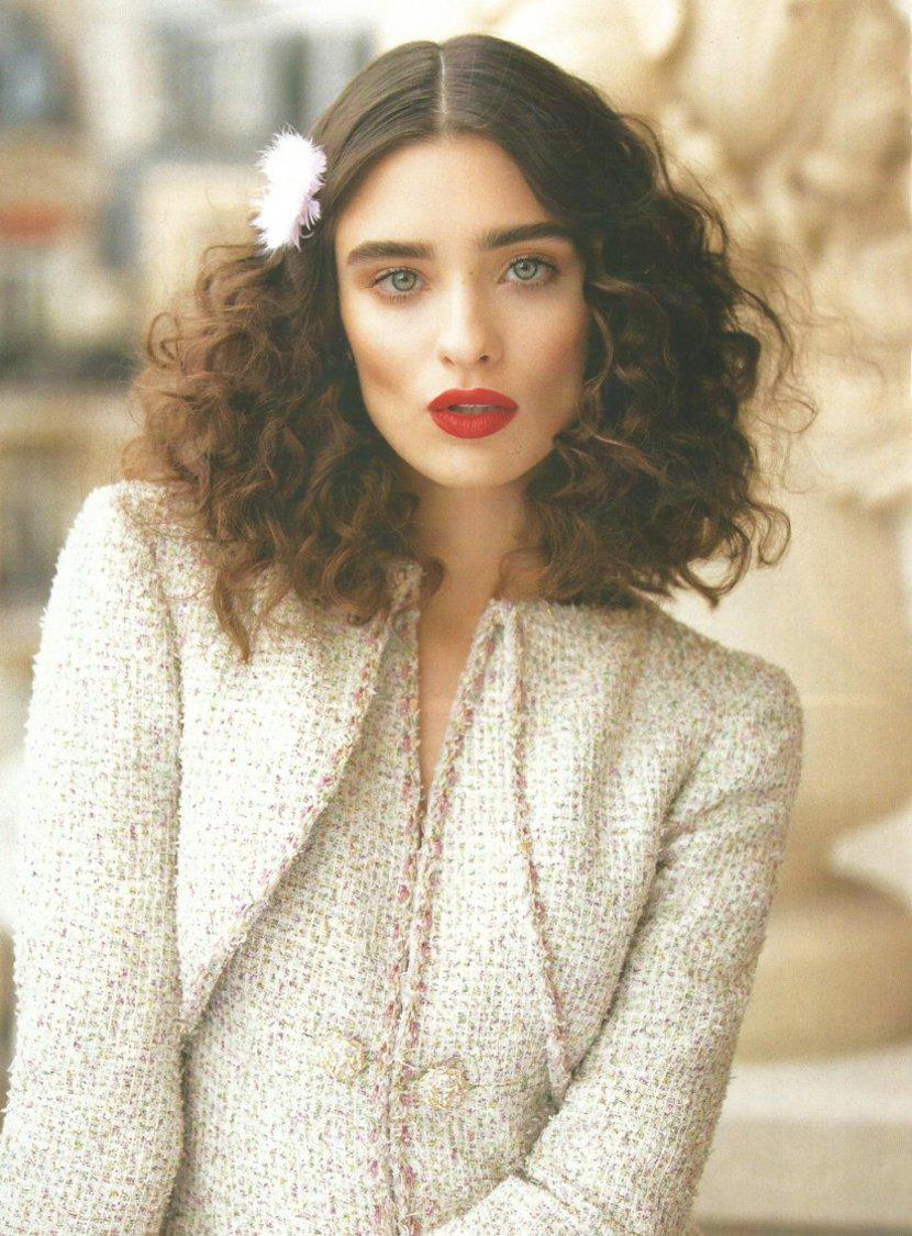 Editorial de moda da Revista L'Officiel com Alta Costura da Chanel 2019