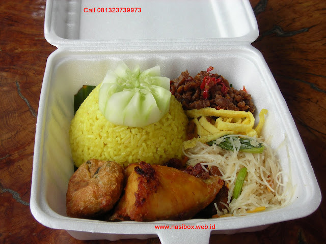 Nasi kotak simple di ciwidey