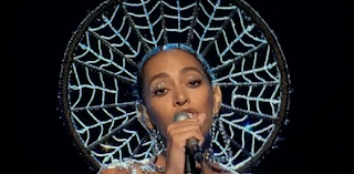 Solange Can't Sing? On SNL Performance