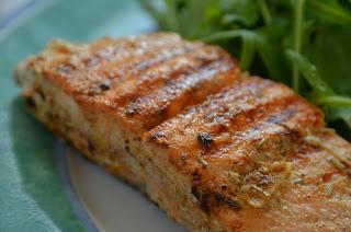 Tandoori-Lachs mit Rucola und Chapati