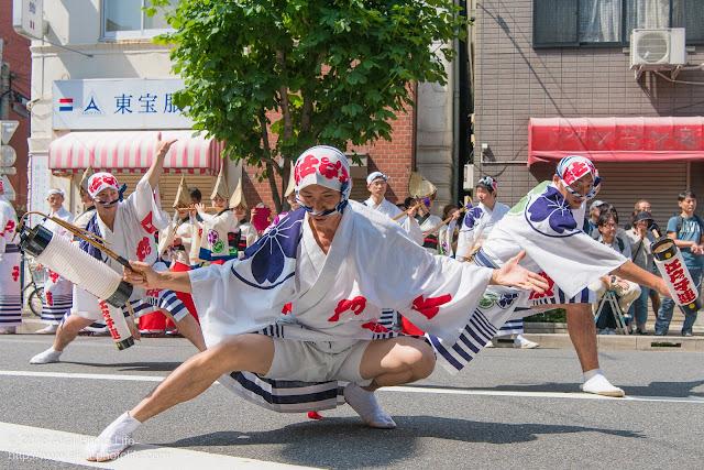 江戸っ子連、男踊り、マロニエ祭り流し踊り中の演舞の写真 その4