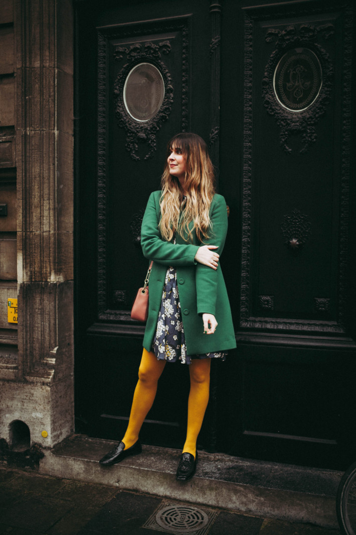 Outfit: how to wear bright coloured tights