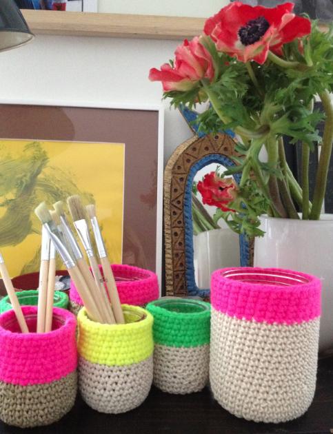 joli brouillon cache pot en crochet. Black Bedroom Furniture Sets. Home Design Ideas