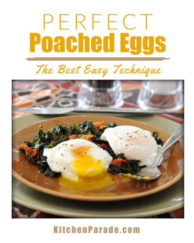 How to Poach a Perfect Egg ♥ KitchenParade.com, the Cook's Illustrated technique. So easy, you'll never forget!