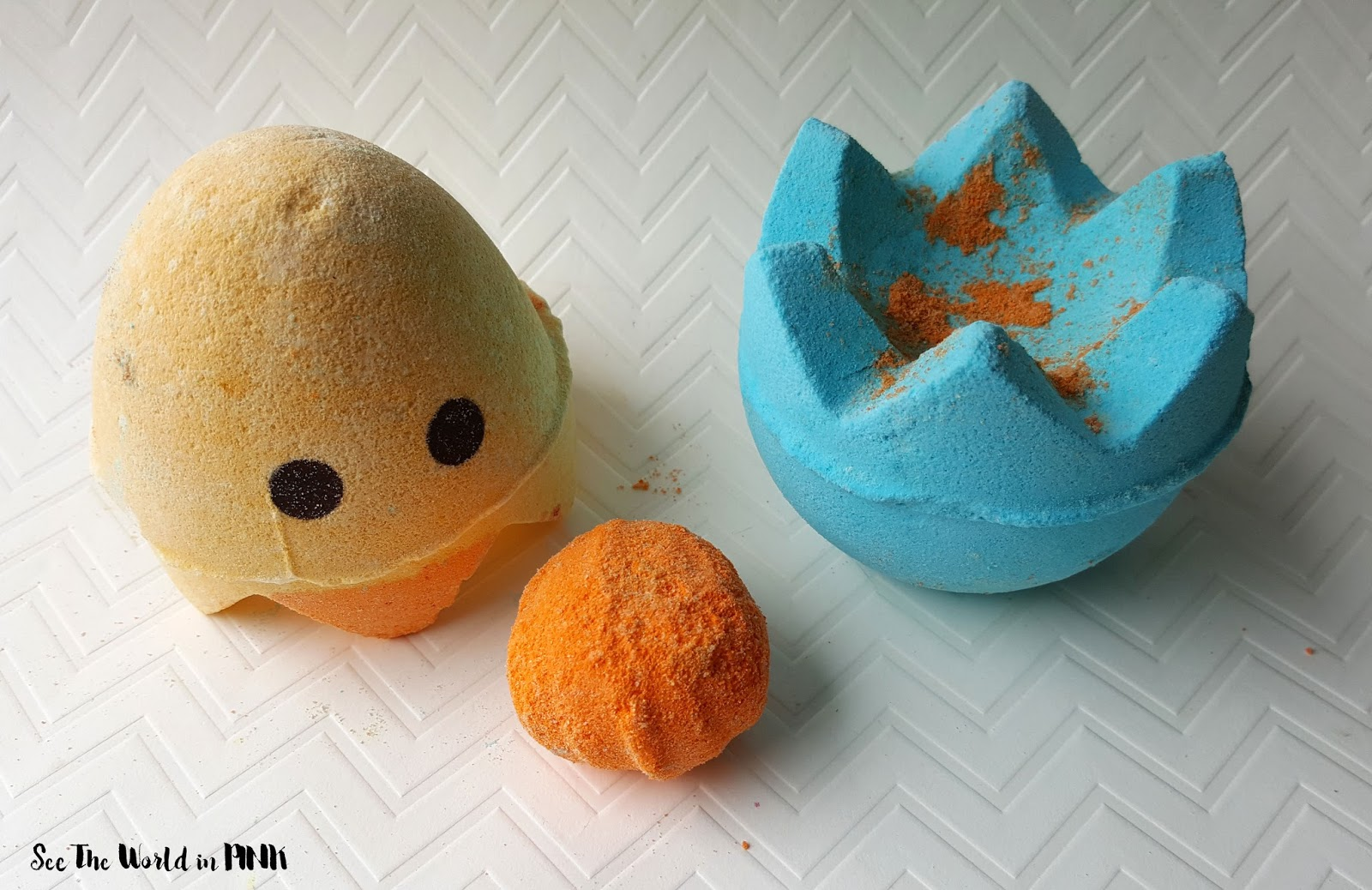 Skincare Sunday - Lush Easter Collection! Chick 'N Mix Bath Bomb