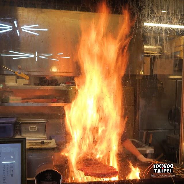 【明神丸】用稻草炙燒的鰹魚生魚片 華麗又美味