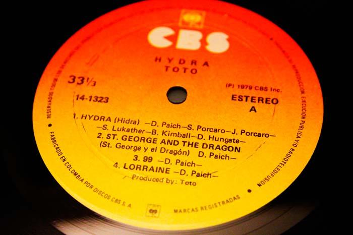 Toto - Hydra, 1979 CBS Inc. Propiedad de Julián Franco, exibido en 4Works Studio.