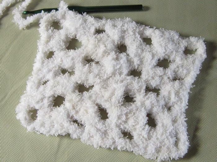 crochet, Bernat Pipsqueak, fluffy, yarn
