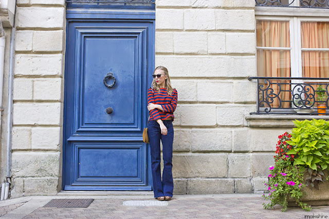 Navy and rouge outfit
