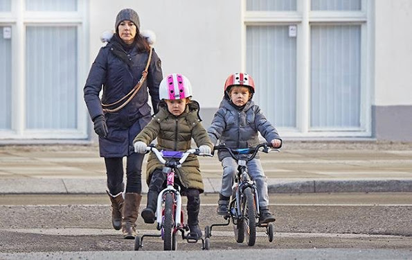 Prince Vincent and Princess Josephine of Denmark were photographed while they were going to the kindergarten by bicycle on their own. Crown Princess Mary generally used to take their children to and pick up them from the kindergarten by a cargo bicycle.