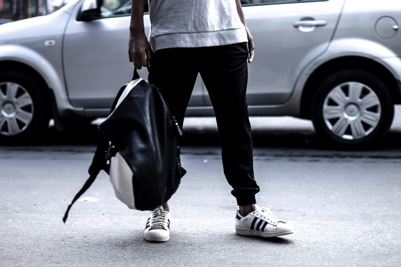 TheQuirkyminimal by Kangkan Rabha Menswear style & lifestyle blog Casual Way To Wear Jogger Pants