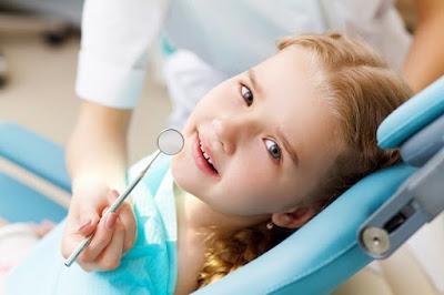 Nhổ răng sữa có nguy hiểm không ?