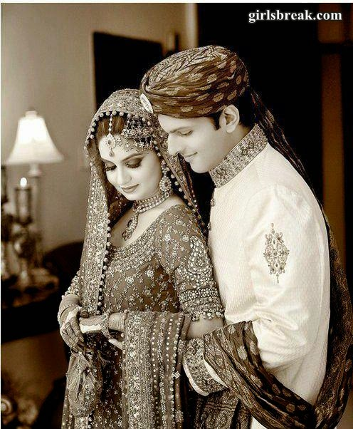 Stylish Pakistani Bridal with Groom Dresses