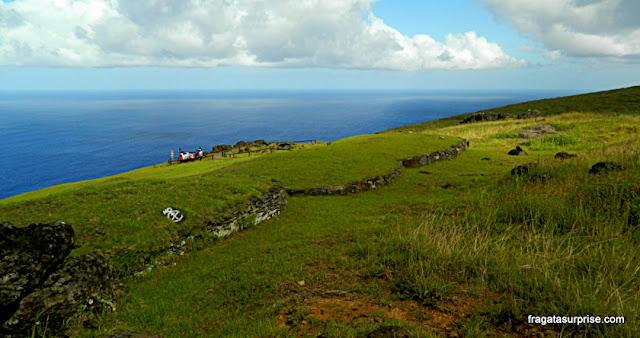 Ilha de Páscoa, vila cerimonial de Orongo, onde se realizava o ritual do Homem-Pássaro