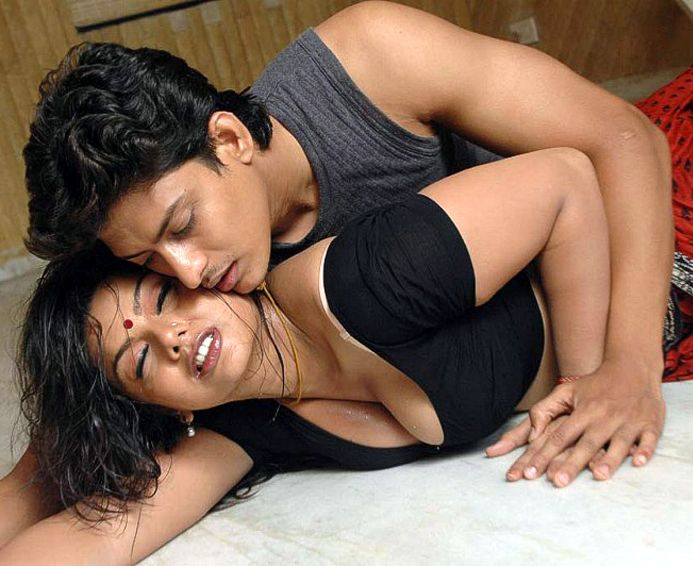 kamapichachi tamil actress without dress images