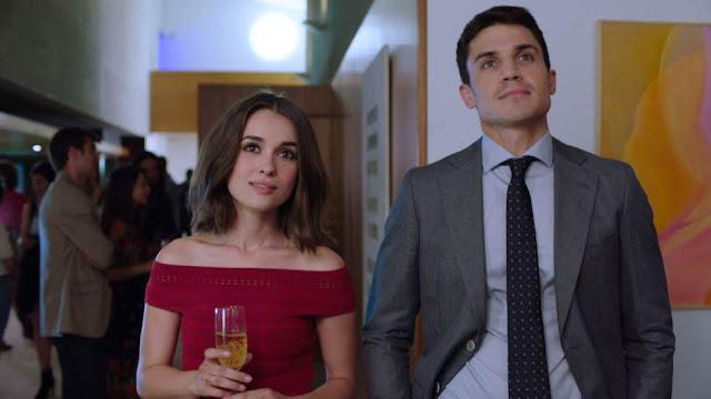 Giulia Charm  y Álex González en 'Vivir sin Permiso'