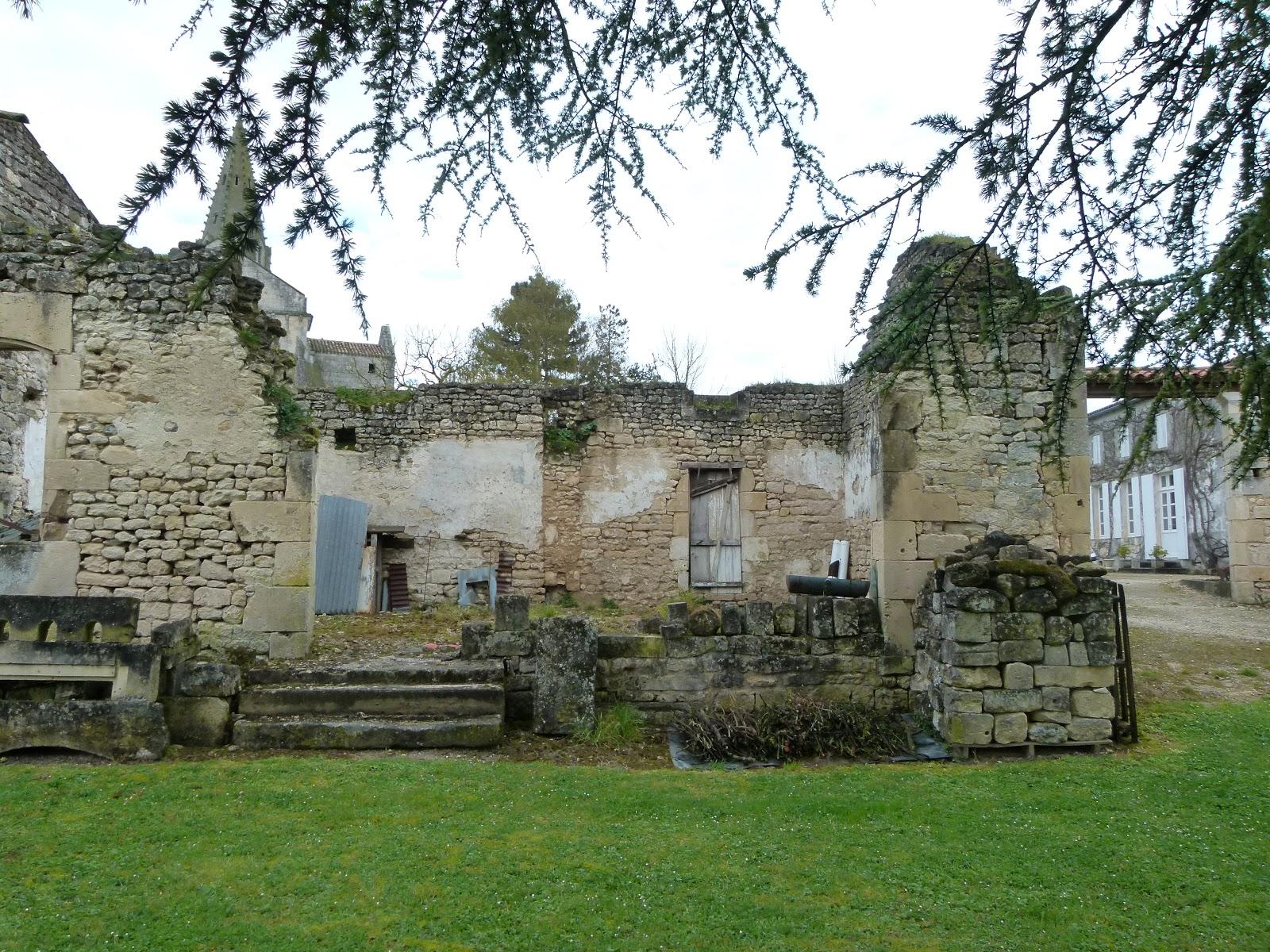 Refaire Fondation Maison Ancienne sarl renolleau/arrive a gemozac 17: réhabilitation d'une