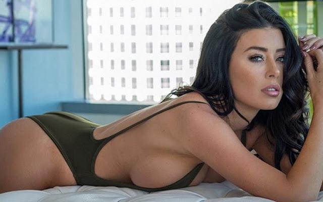 Playmate Gemmalee Farrell