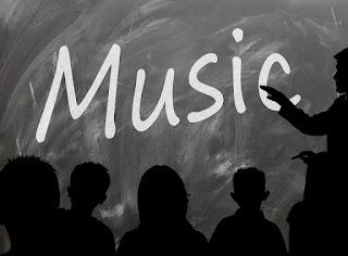 /school-board-music-blackboard