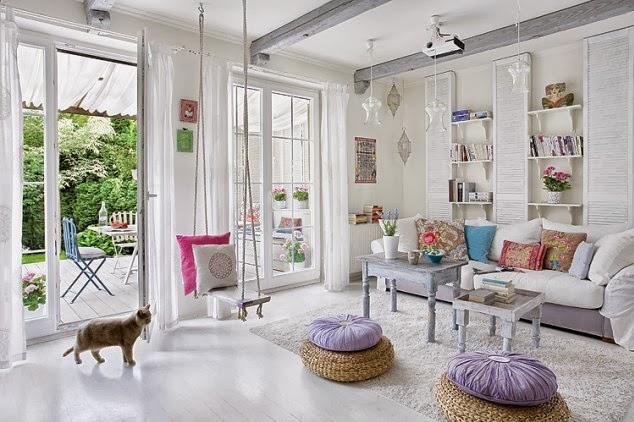 Un living dai colori pastello home shabby home for Arredamento particolare