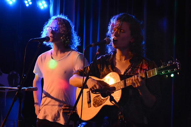 """Ture Berg live på releasepartyt för albumet """"Mållös"""""""