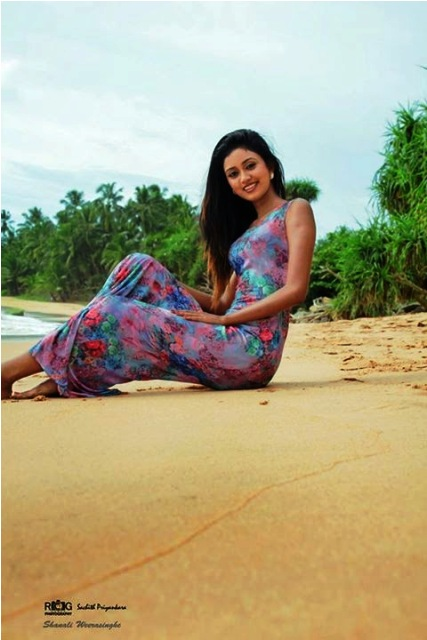 Shanali Weerasinghe Hot