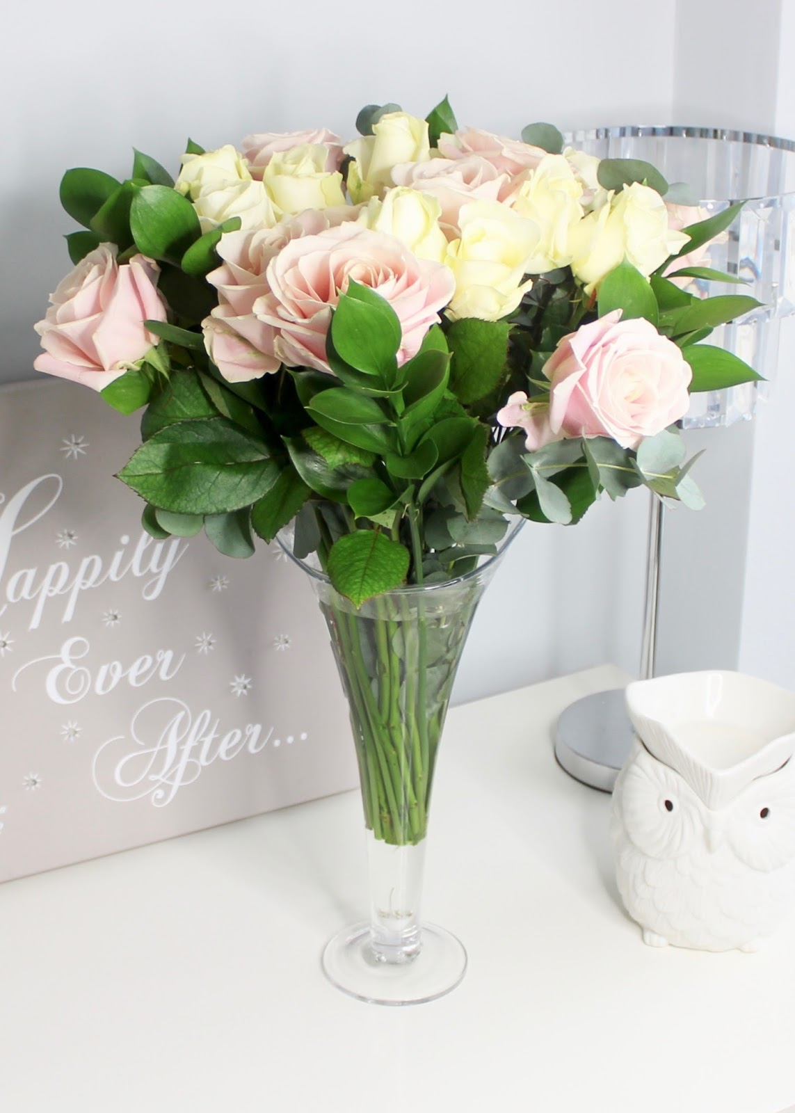Mother S Day Luxury Avalanche Rose Bouquet From Debenhams Flowers