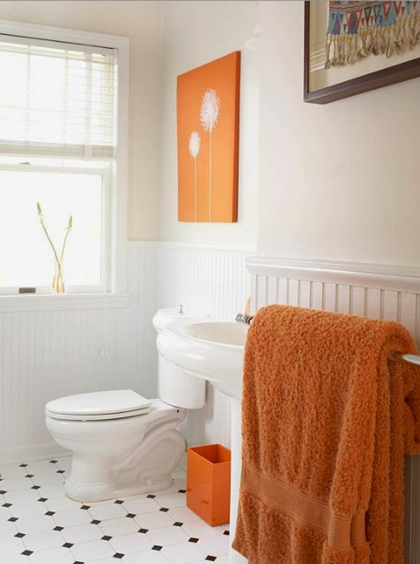 Baño en naranja y blanco