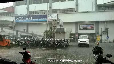 Hujan Lebat Di Jakarta