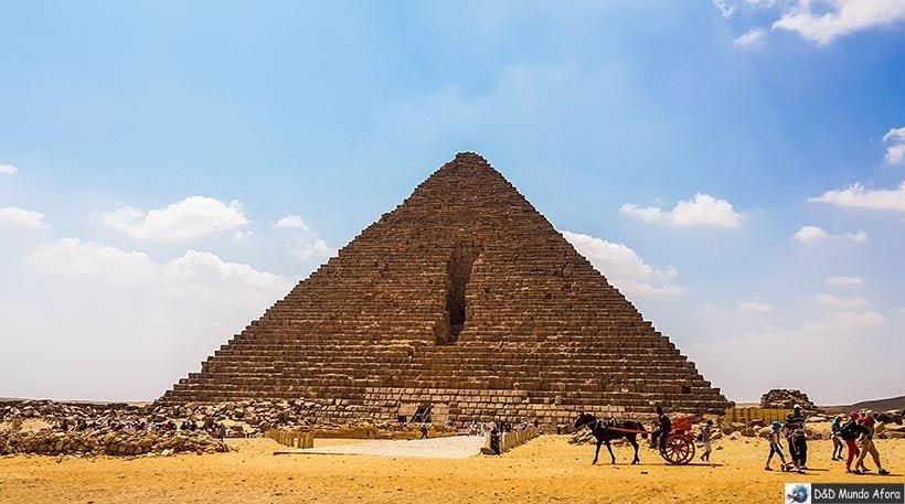 Pirâmide de Miquerinos no Complexo de Gizé - Pirâmides do Egito por dentro