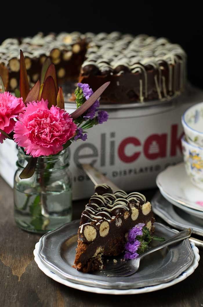 Delicious easy no bake Maltesers Cake.