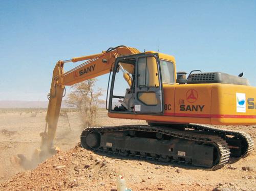 Truck made in China: excavator price SANY SY235C mini