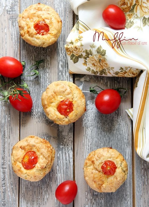 Muffin con fiocchi di latte ed erbe aromatiche