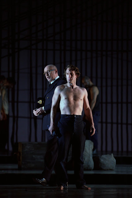 Brindley Sherratt (Claggart) and Jacques Imbrailo (Billy Budd). Photo: Javier del Real.