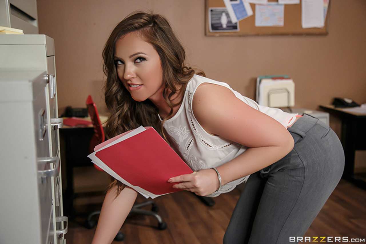 UNCENSORED [brazzers]2016-08-23 Work Is Long When You're Wearing A Thong, AV uncensored