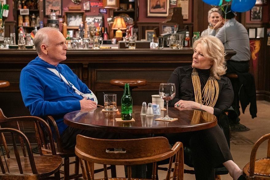 Murphy Brown - Season 11 Episode 10: Beat the Press