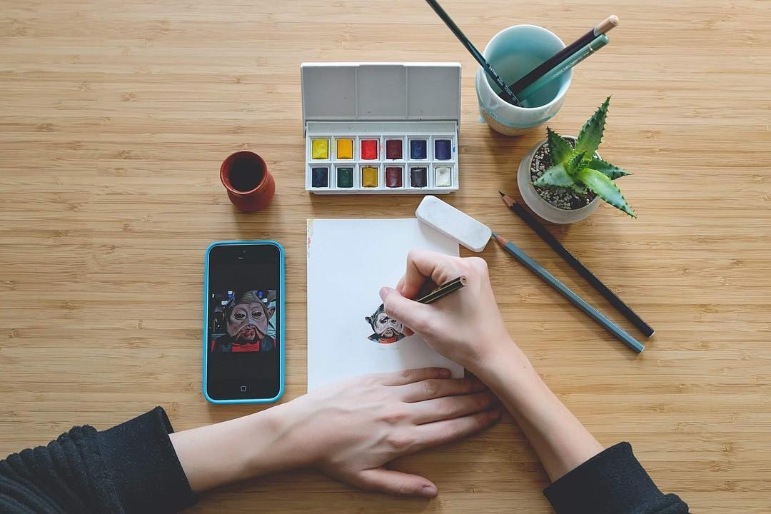 15-The-Artist-At-Work-Claudia-Maccechini-Miniature-Tiny-Drawings-www-designstack-co