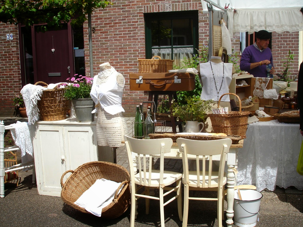 brocante charmante welkom in diepenheim brocante parade. Black Bedroom Furniture Sets. Home Design Ideas