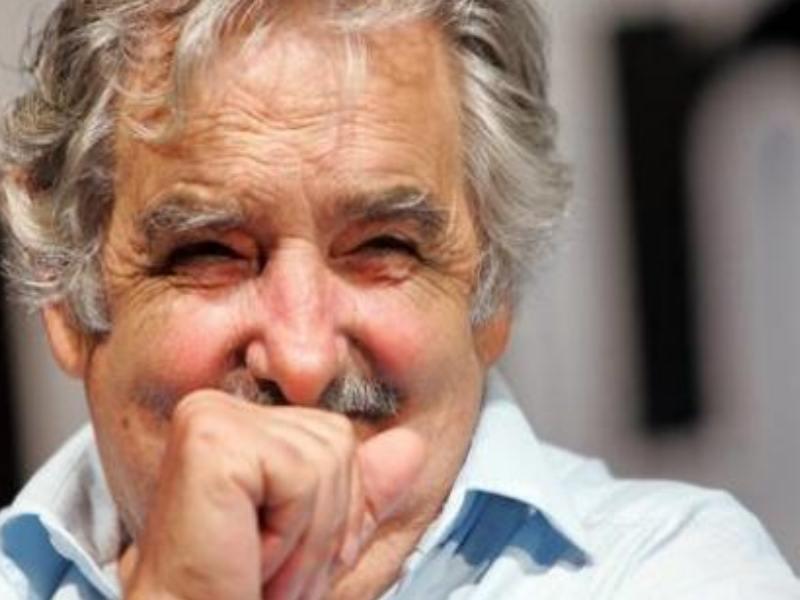 http://2.bp.blogspot.com/-B4dpcyHsE0A/TtJJiGlHgkI/AAAAAAAABXo/BNkedNsK0vQ/s1600/mujica+riendo+800.jpg